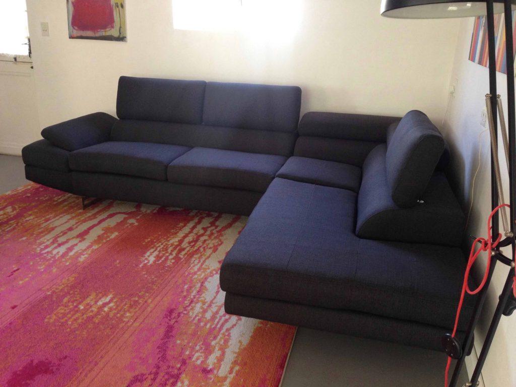 Black corner suite